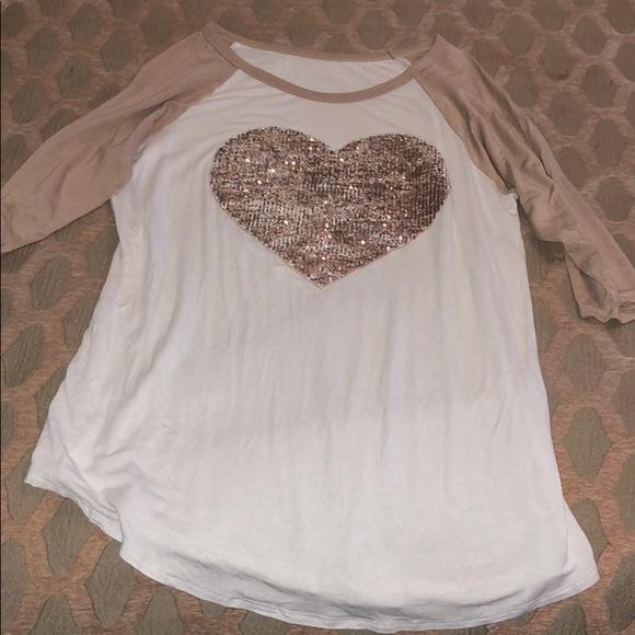 boutique Tops - Heart Boutique 3/4 sleeve shirt